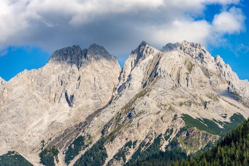 Ряд Mieming или горы Mieminger - Альп Тироль Австрия стоковое изображение