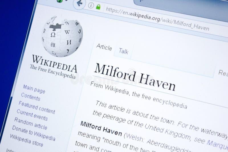 Рязань, Россия - 28-ое августа 2018: Страница Wikipedia о Milford Haven на дисплее ПК стоковая фотография