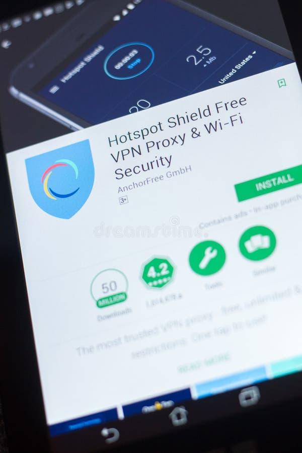 Рязань, Россия - 19-ое апреля 2018 - полномочие передвижной app Shiels свободное VPN Точки доступа на дисплее ПК таблетки стоковые изображения rf