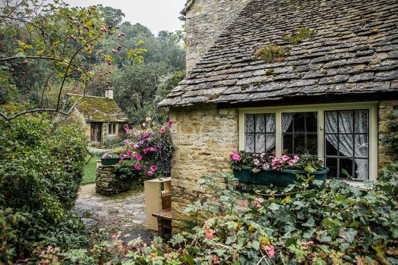 рядок Англии коттеджей cotswolds arlington bibury стоковая фотография rf