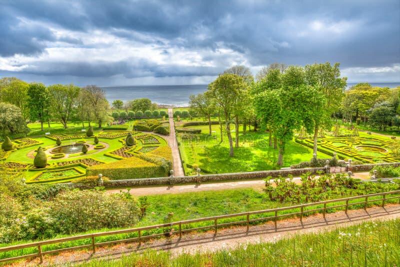 Сады замка Dunrobin стоковое изображение