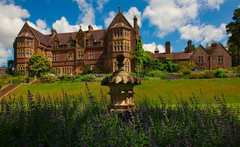 Сады и дом Knightshayes стоковая фотография rf