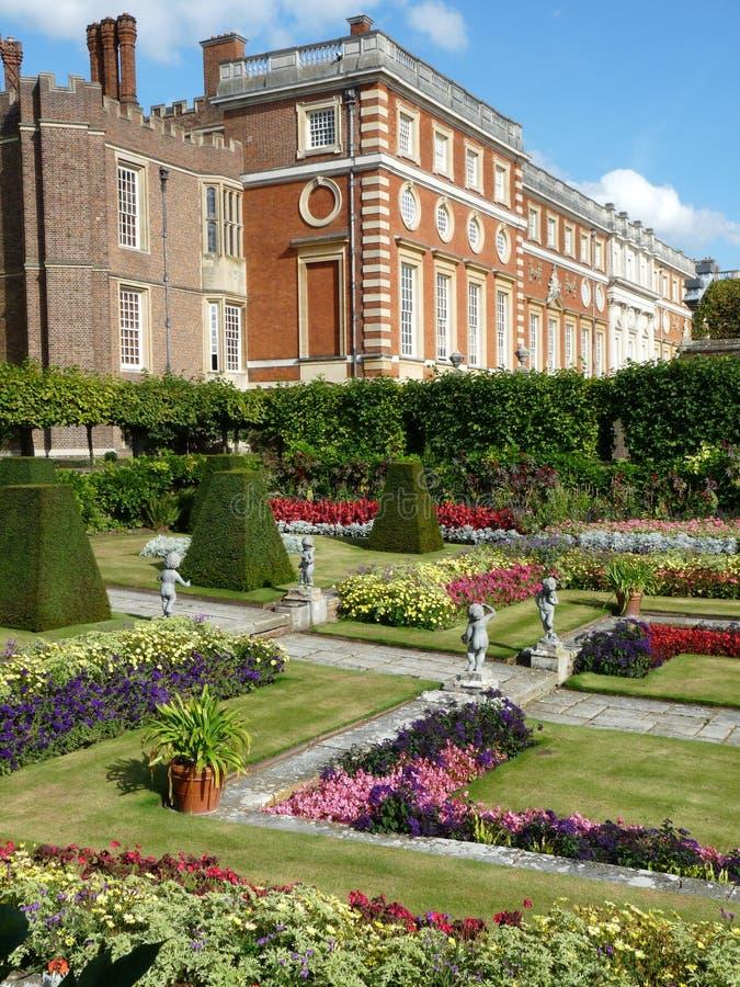 Сады на дворце стоковое фото rf
