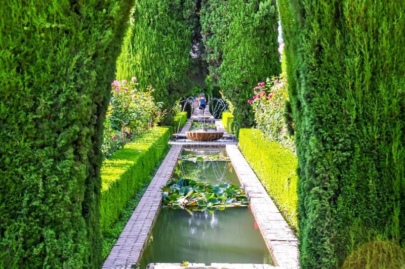 Сады Generalife около Альгамбра, Гранады, Испании стоковое фото rf