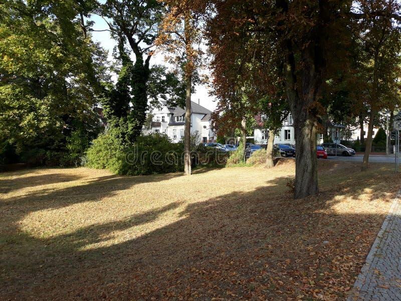 Сад в улице в городке Beeskow стоковое фото