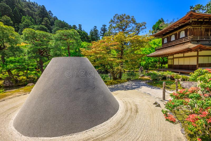 Сад Дзэн в виске Ginkaku-ji стоковые фото
