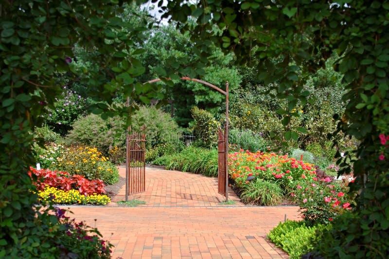 сад приватный стоковое изображение rf