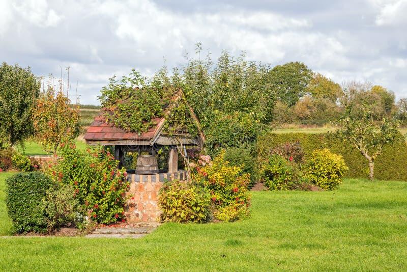 Сад хорошо, Вустершир, Англия стоковое изображение rf