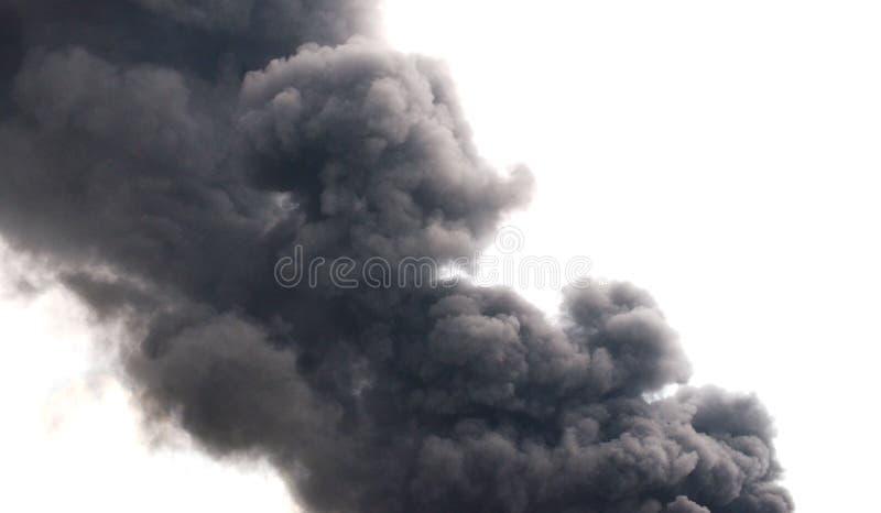 сажа черный дым стоковое изображение rf