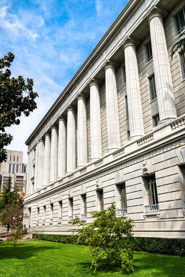 Сакраменто: Почтовая служба центра и федеральное здание стоковое изображение