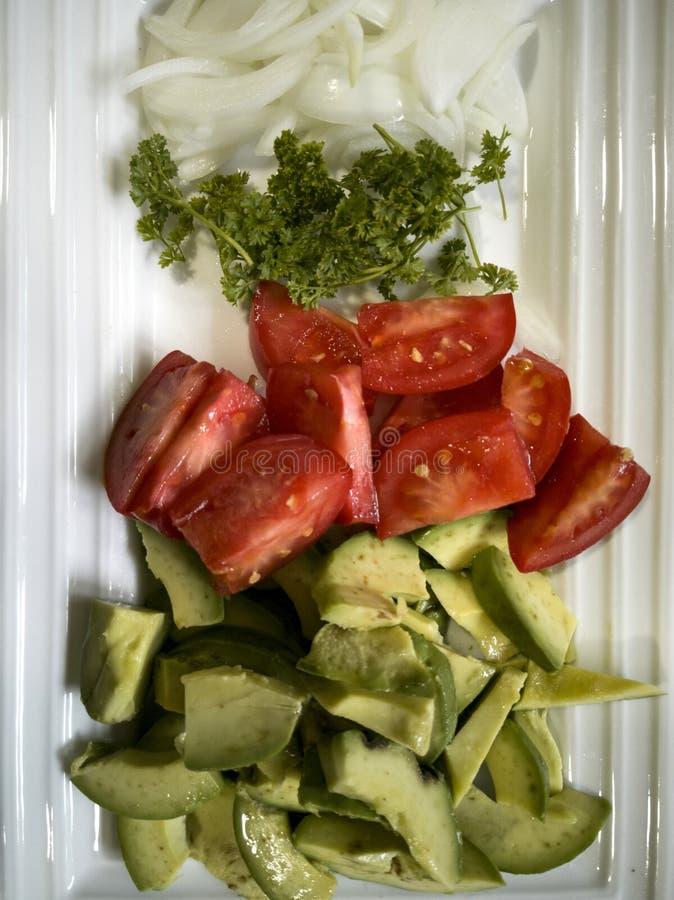 Салат авокадоа с 3 больше овощей стоковые фото