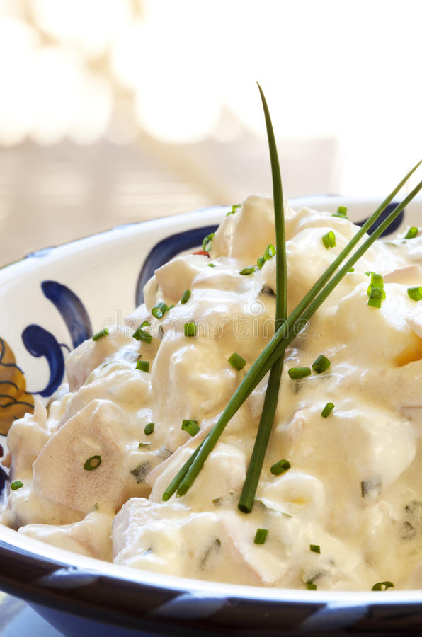 салат картошки chives стоковая фотография