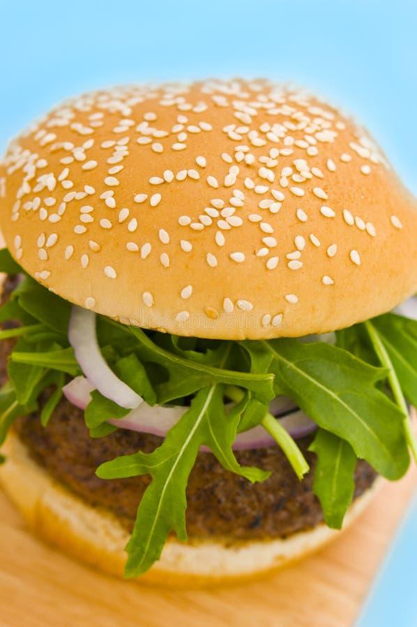 салат лука гамбургера стоковое изображение rf
