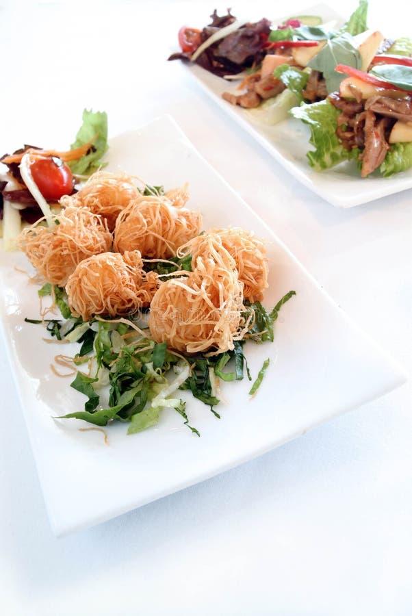 салат свинины утки азиатских шариков китайский кудрявый стоковые фото