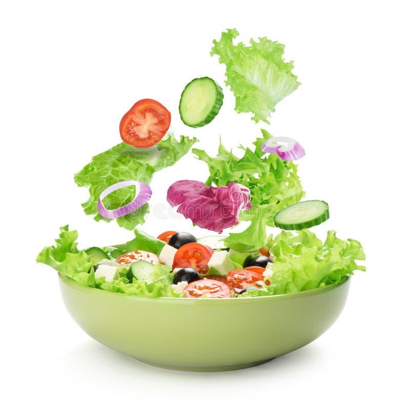 Салат с сыром и свежими овощами стоковое изображение
