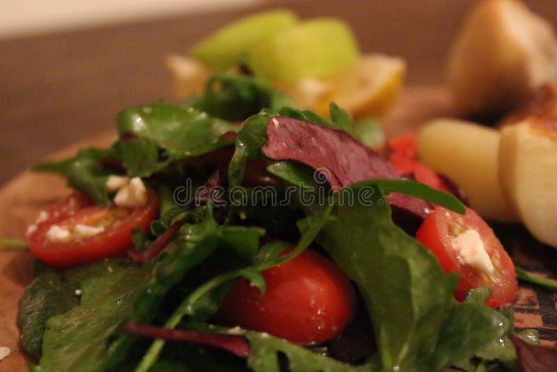 Салат томата с сыром стоковое изображение rf