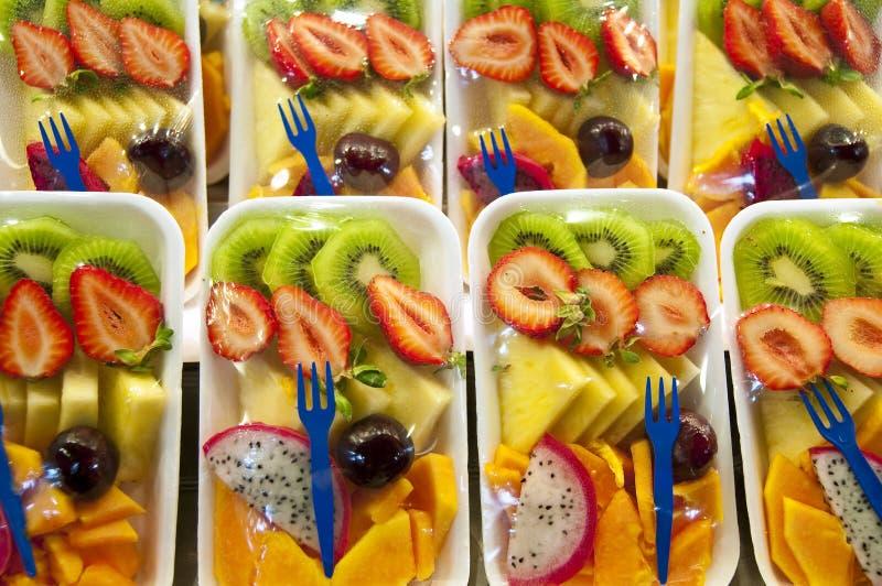 салат упакованный плодоовощ стоковая фотография