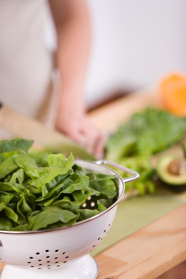 салат preperation стоковые изображения rf