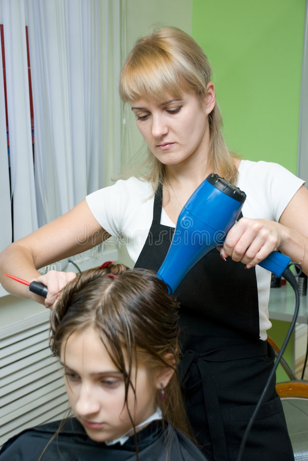 Download салон волос стоковое изображение. изображение насчитывающей людск - 6853511