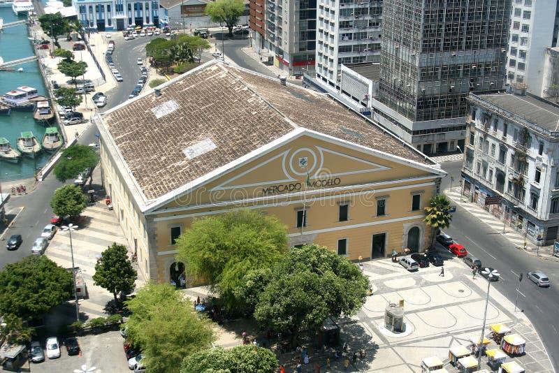 САЛЬВАДОР, БРАЗИЛИЯ - январь 2017: Mercado Modelo одно самых известных ориентир ориентиров в Сальвадоре, взгляде от лифта Lacerda стоковое фото rf