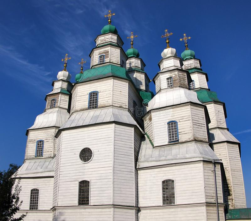 Самая большая деревянная церковь Украины, собора святой троицы в Novomoskovsk стоковые фотографии rf