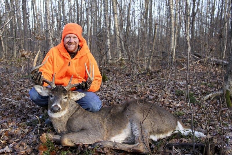 Самец оленя и охотник Whitetail трофея стоковое изображение rf