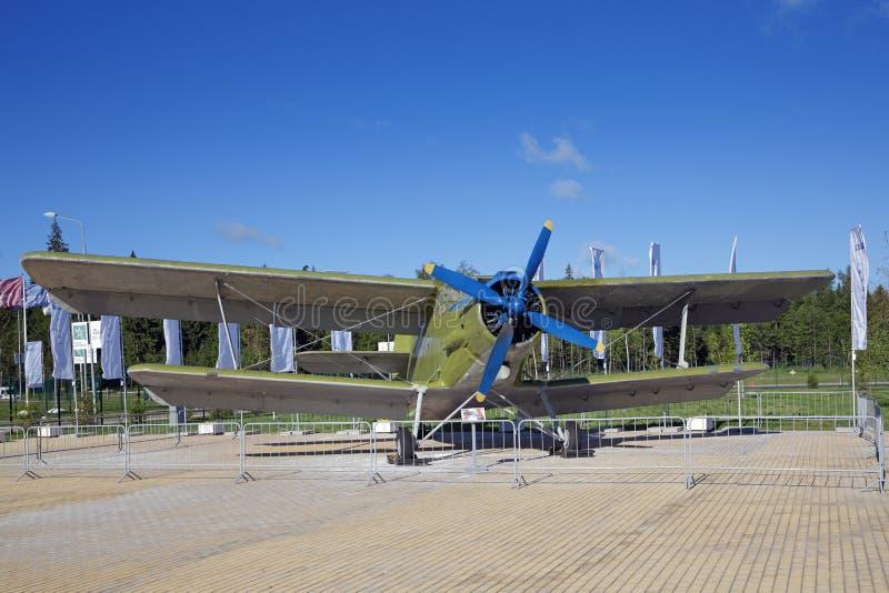 Самолет-биплан An-2 стоковые фото