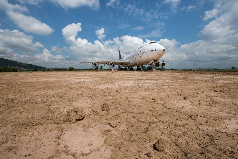 Самолет на том основании стоковое изображение