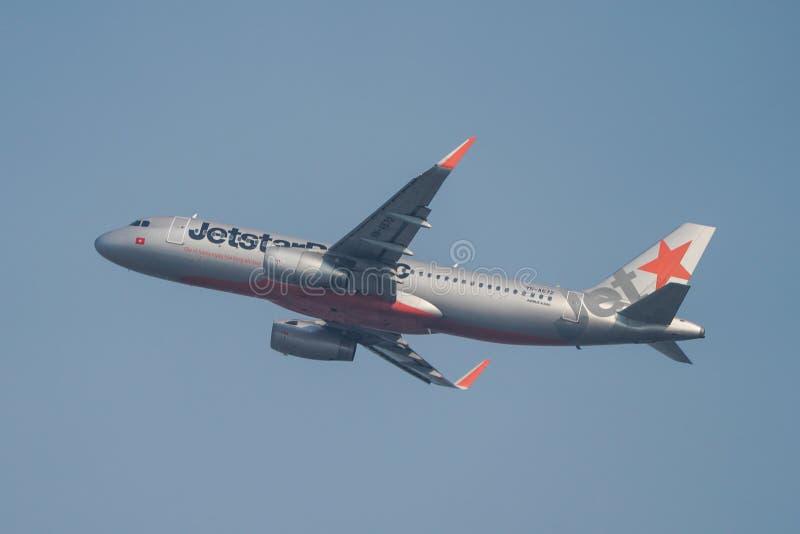 Самолет принимая- от аэропорта Сайгон стоковое изображение rf