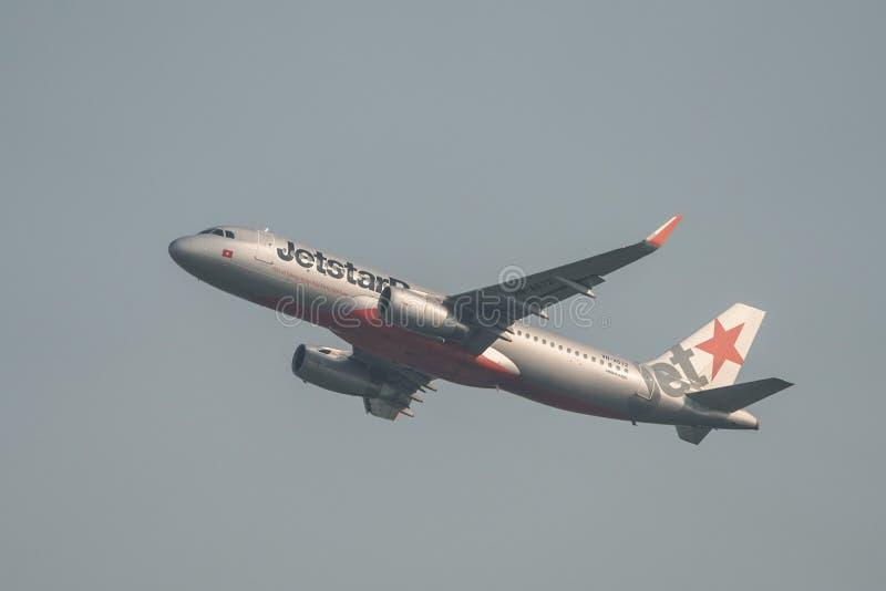 Самолет принимая- от аэропорта Сайгон стоковое фото