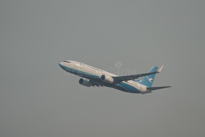 Самолет принимая- от аэропорта Сайгон стоковая фотография rf