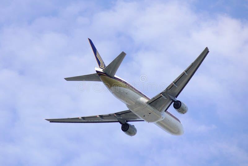 Самолет принимая- от аэропорта Сайгон стоковая фотография