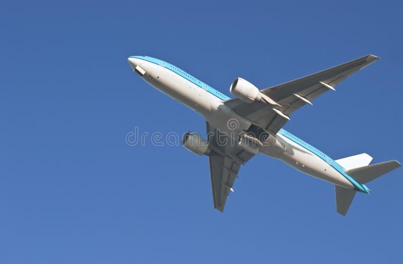 самолет уходя стоковое изображение rf