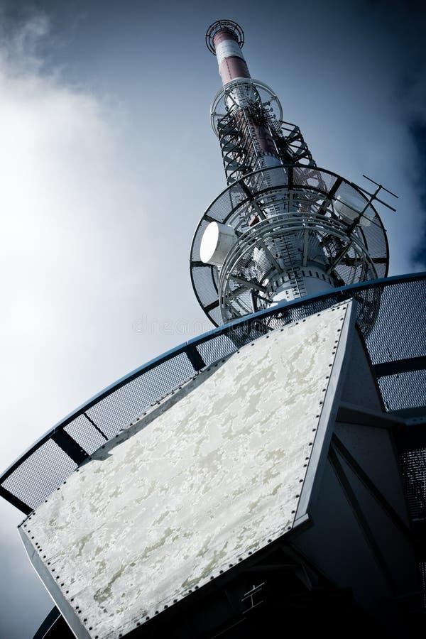 самомоднейшая башня tv стоковая фотография