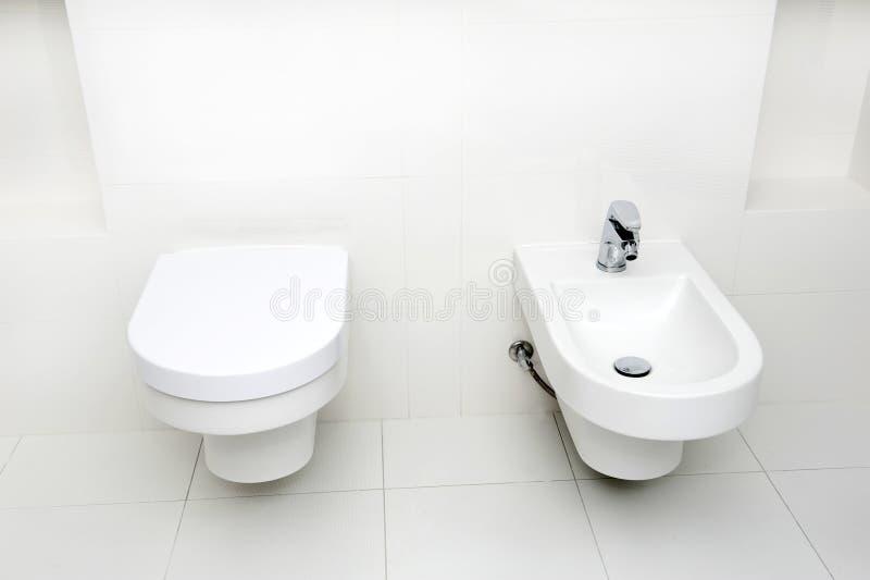 Самомоднейшая ванная комната стоковая фотография