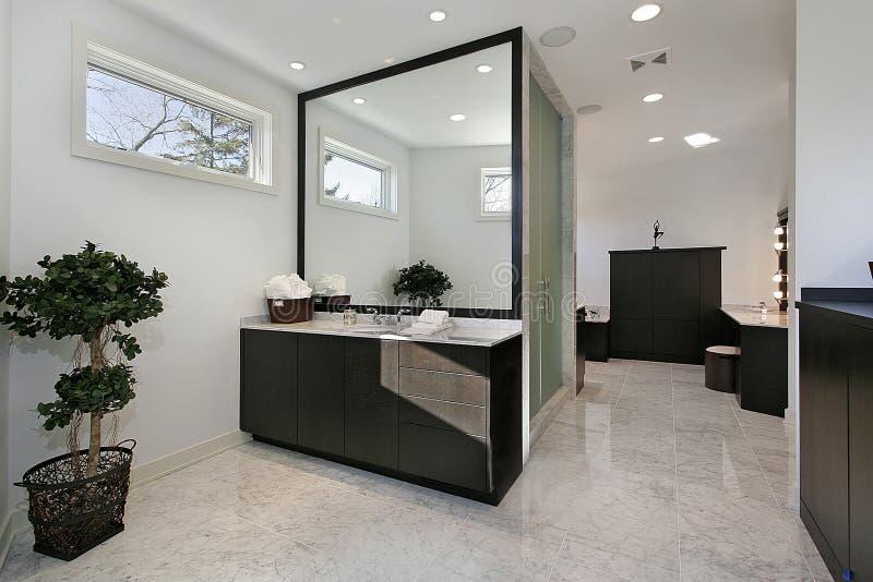самомоднейшее ванны мастерское стоковые фотографии rf