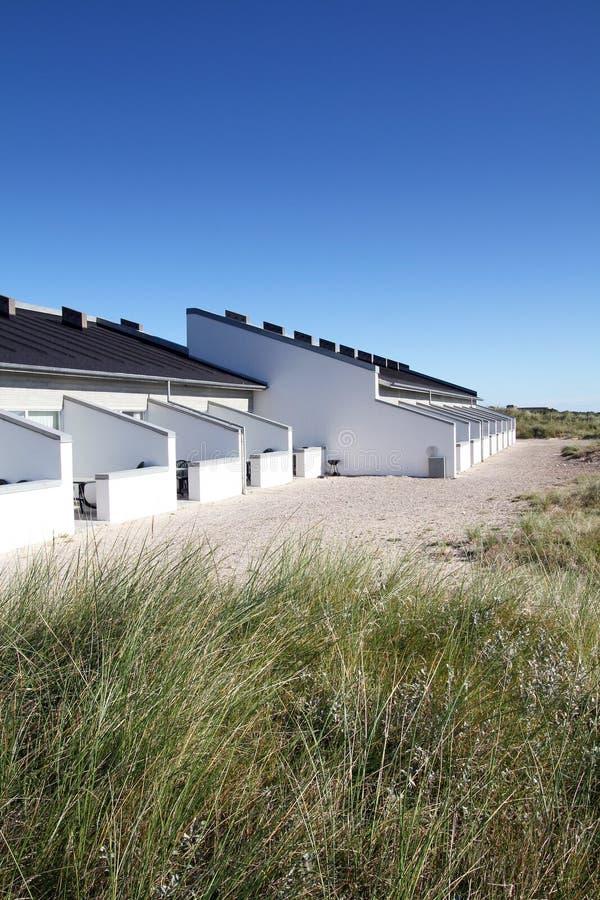 Самомоднейшие белые здания стоковое фото