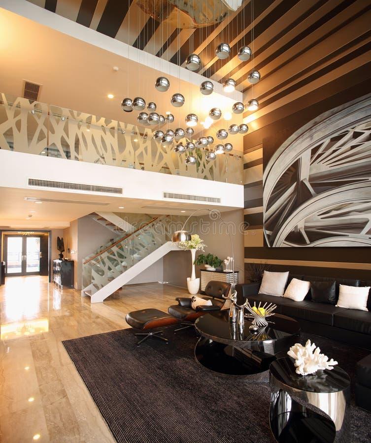 Самомоднейший дизайн интерьера - живя комната стоковая фотография rf