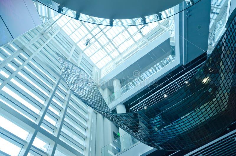 Самомоднейший интерьер здания стоковые изображения rf