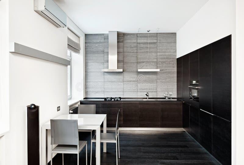 Самомоднейший интерьер кухни типа minimalism стоковые фотографии rf