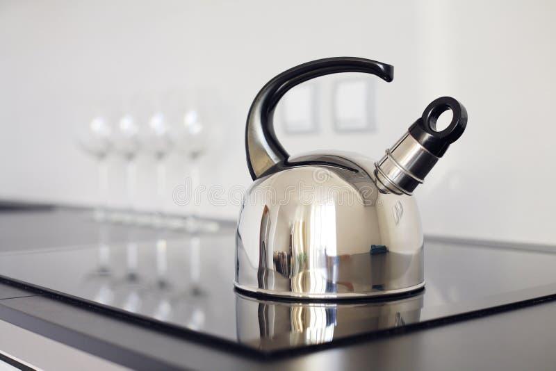 Самомоднейший чайник стоковые фотографии rf