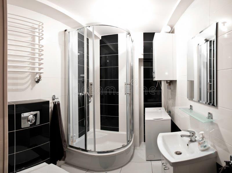 Белая ванная комната стоковое фото