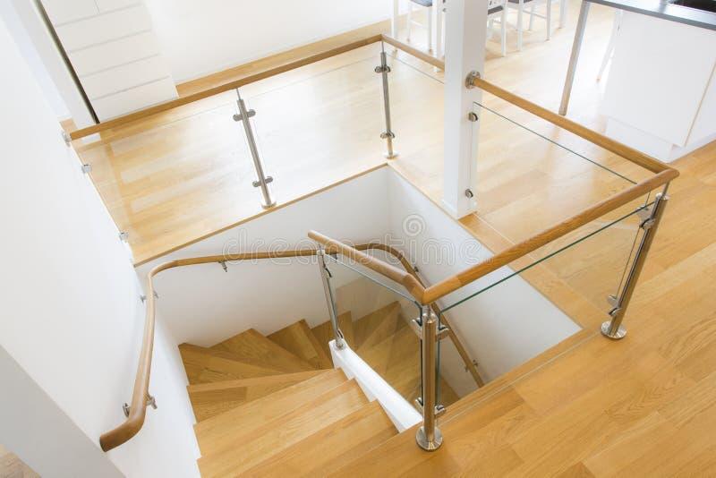 самомоднейшая лестница стоковые фото