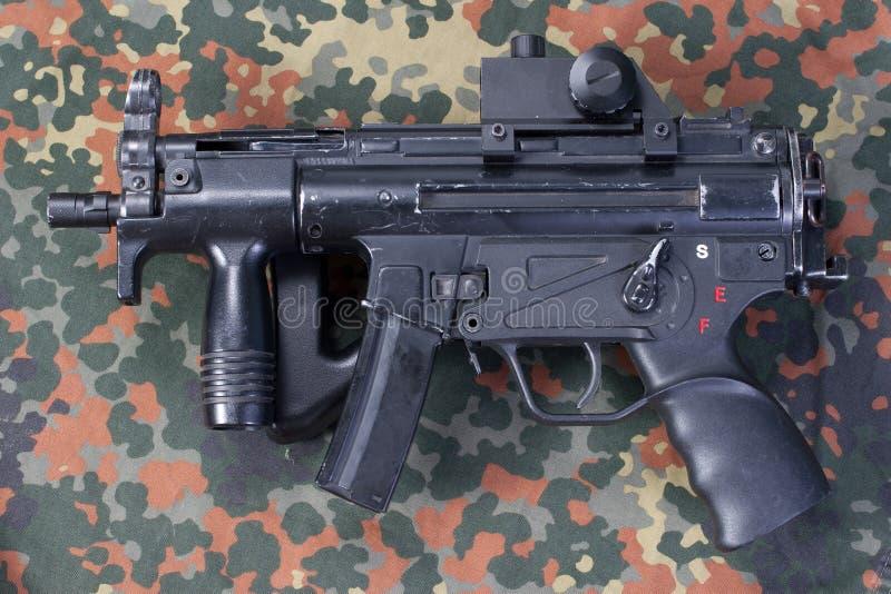 Самомоднейшая пушка submachine стоковые изображения rf