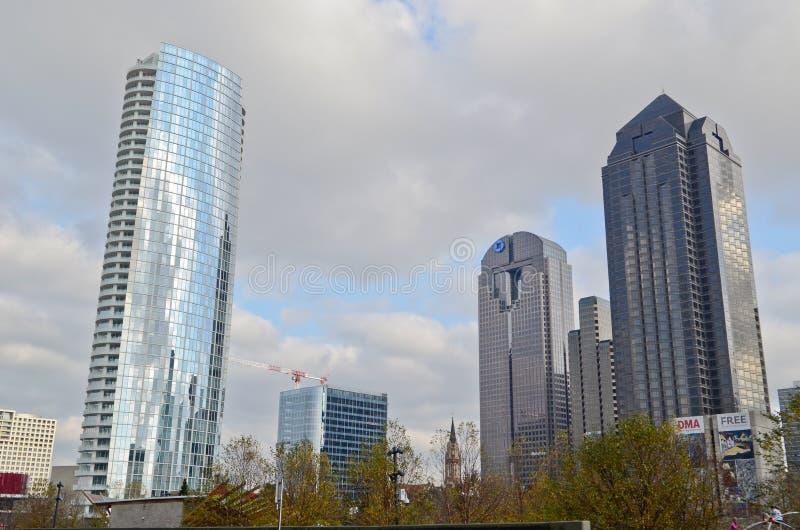 Самомоднейшие здания в Далласе стоковое фото rf