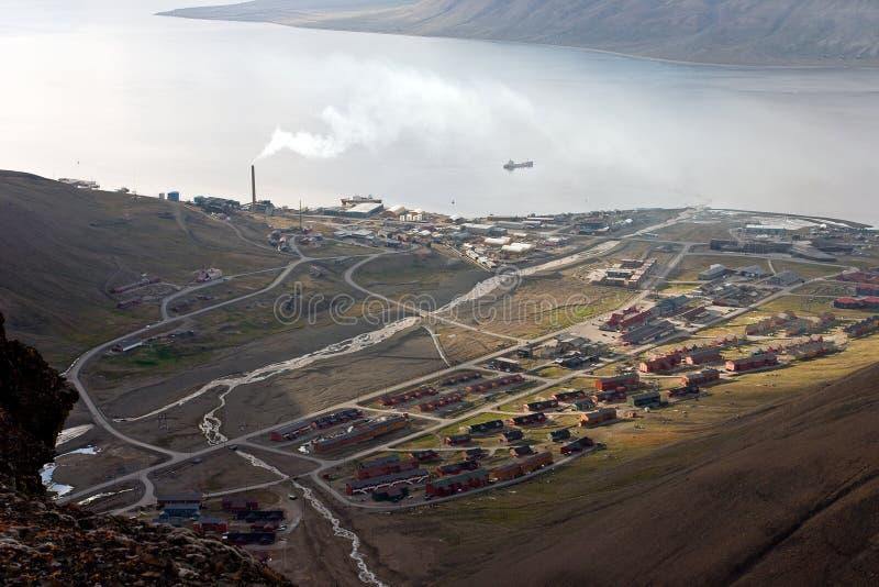 само больш longyearbyen выселок svalbard стоковое фото