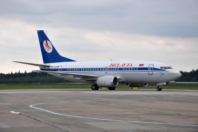 Самолет авиакомпаний Belavia стоковая фотография