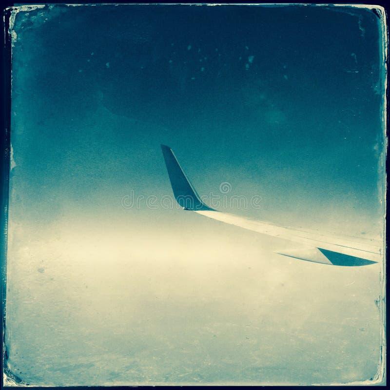 самолет заволакивает крыло стоковые изображения rf