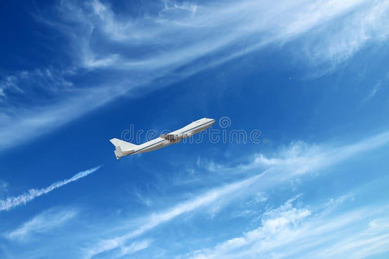 Самолет идя вверх стоковое фото rf