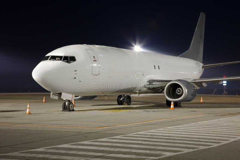 Download Самолет на ноче стоковое фото. изображение насчитывающей парцелла - 40582630